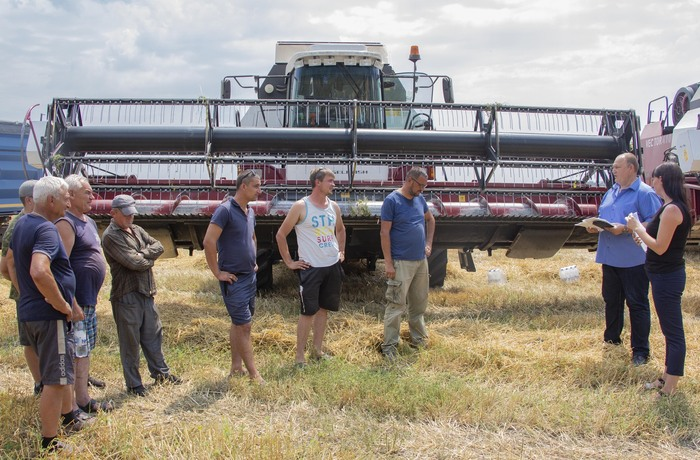 Встреча депутатов ЛНР с аграриями Республики по вопросу оформления СНИЛС, Лутугинский район, 21 июля 2021 года