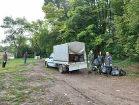 Экологи очистили от мусора 1,2 га леса в Свердловском районе – Минприроды