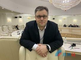 Киев откровенно жульничает, пытаясь избежать обсуждения особого статуса - Мирошник