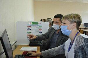 Алчевские металлурги проголосовали на выборах за развитие всех отраслей промышленности
