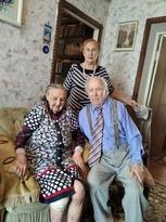 Администрация Луганска поздравила с 96-летием участника войны Ивана Кулешу
