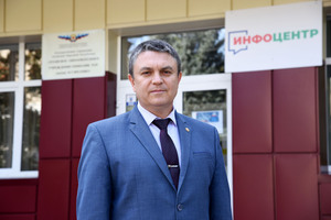 """LPR's Pasechnik votes in Russian State Duma election """"for Donbass peace, prosperity"""""""