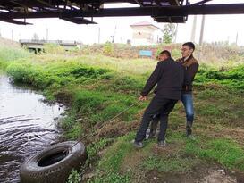 Сотрудники Минприроды ЛНР очистили от мусора участок реки Ольховая в Луганске