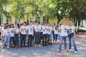 """Около 200 активистов ЛНР и ДНР участвуют в пятой смене форума """"Море-Лес"""" в Ровеньках"""