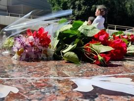 Жители ЛНР в День памяти и скорби почтили память погибших в Великой Отечественной войне