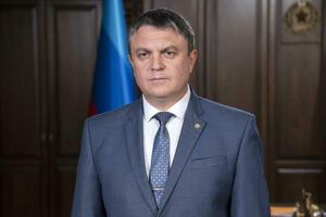 Поздравление главы ЛНР Леонида Пасечника с Днем медицинского работника