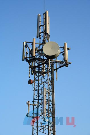 1534929318_11_mobile_phone_mast.jpg