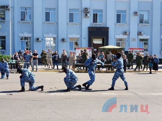 Показательные выступления сотрудников спецподразделений МВД ЛНР, Краснодон, 9 сентября 2021 года