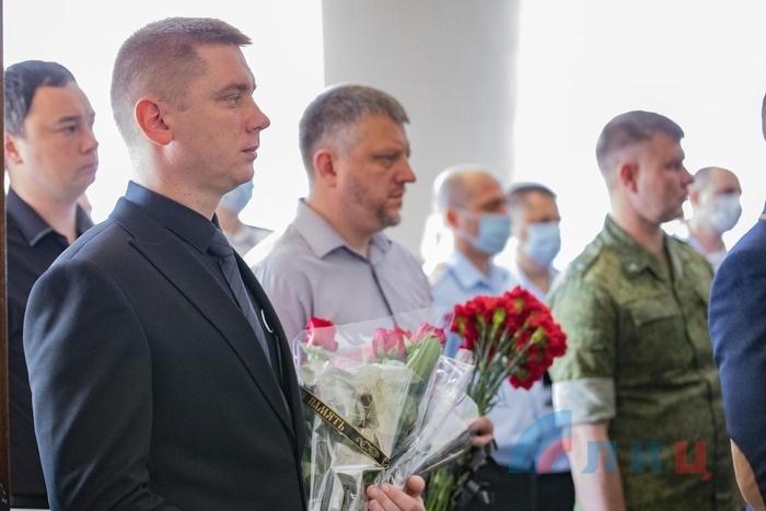 Memorial service for 5 LPR People's Militia members killed in attack on Golubovskoye outpost