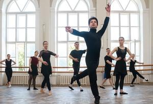Педагог Академии танца Бориса Эйфмана провел в ЛГАКИ просмотры желающих танцевать детей