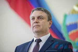 Глава ЛНР поздравил работников отрасли машиностроения с профессиональным праздником