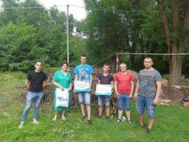 Молодежный парламент организовал субботник на территории луганского техникума-интерната