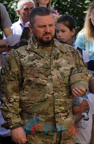 Церемония открытия мемориальной доски первому председателю Совмина ЛНР Геннадию Цыпкалову, Хрящеватое, 21 июня 2018 года