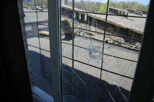 School in Zolotoye-5 damaged by Ukrainian fire